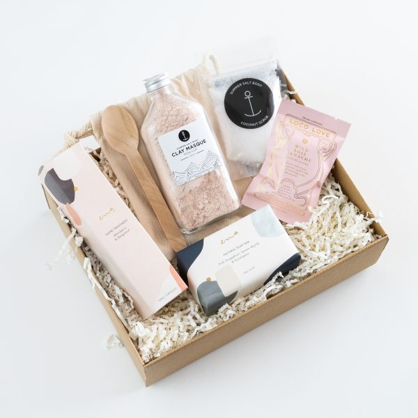 pamper treats gift box